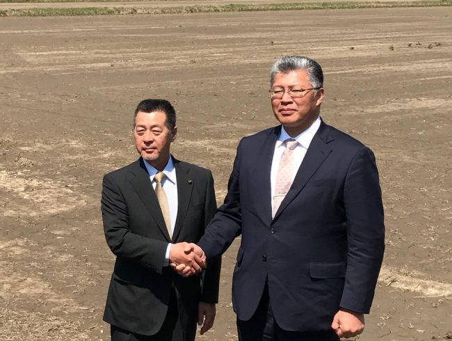 山本地方創生担当大臣が、南相馬市小高区の農業再開の取組を視察
